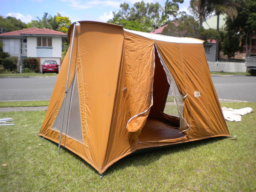 Image & FSu003e COLEMAN CLASSIC 10x8 TENT for the campers amongst us - ClubCJ ...